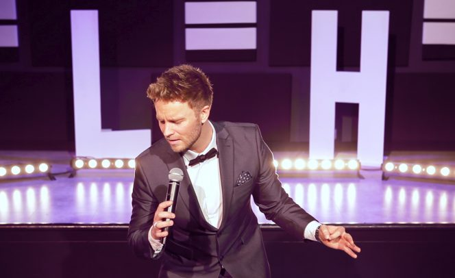 Lee Hutton Sings Buble